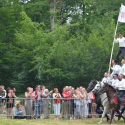 spectacle-equestre-pyramide-D70_7547
